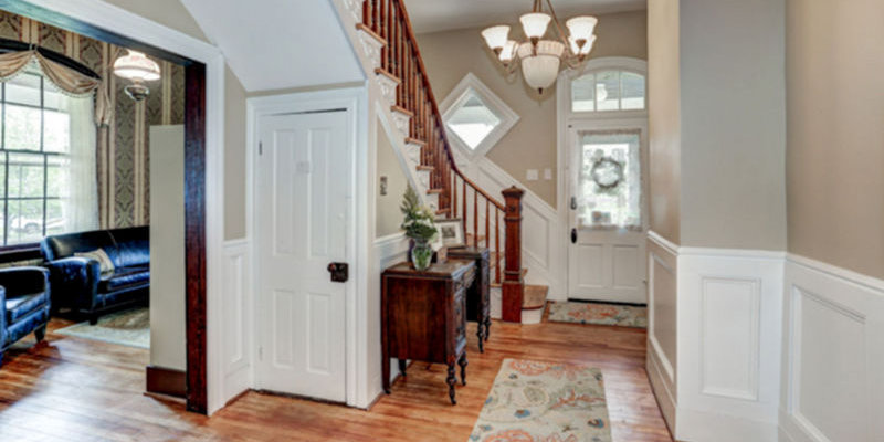 Entry Foyer at Mayneview in Luray VA